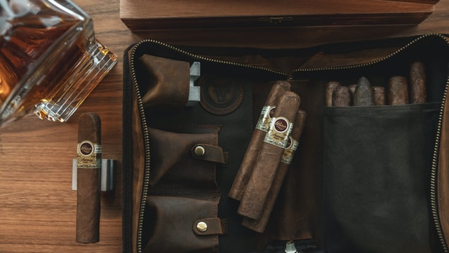 Picking the Best Cigar Humidifiers for Your Humidor